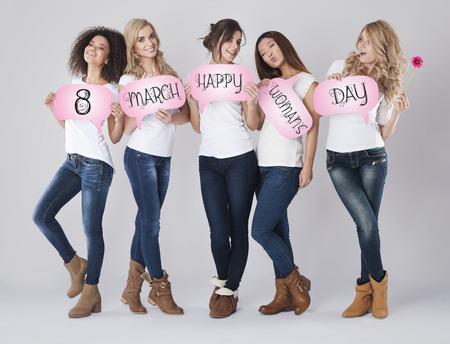 mujeres juntas: Los mejores deseos para el día de la mujer