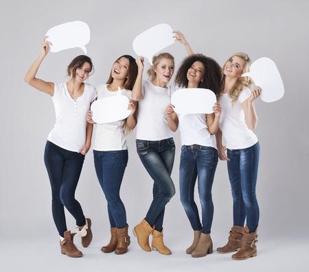 žena: Komunikace s lidmi z různých zemí Reklamní fotografie