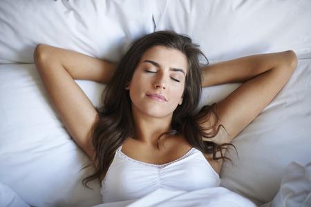 žena: Spánek je nejlepší způsob, jak pro regeneraci Reklamní fotografie