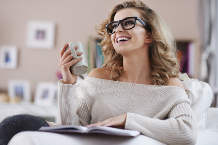 happier: Reading book make me happier