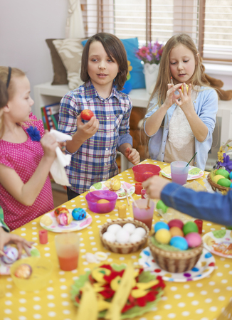 creative egg painting: Painting Easter eggs with friends