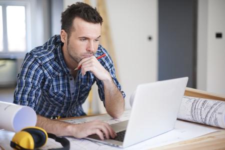 cantieri edili: A volte difficile comando da clienti sono problema per me