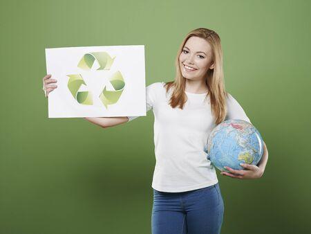 reciclar: Nuestro planeta necesita su ayuda mediante el reciclaje Foto de archivo