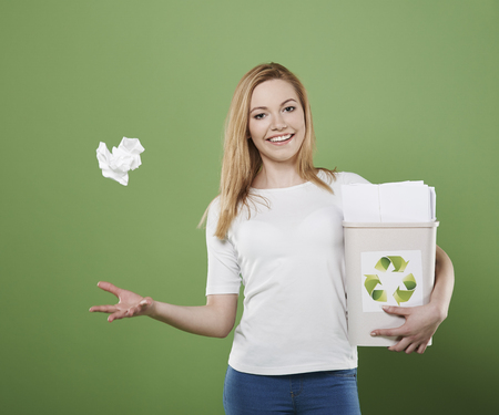 green in hand: This paper will go to the bin with waste paper