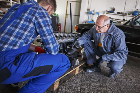 protective workwear: Perfection and accuracy is the basic of being cars mechanic
