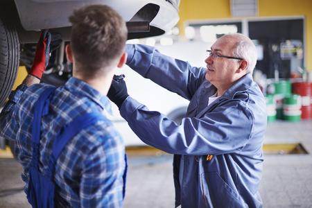 Teamwork is basic in this workshop photo