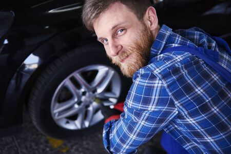 Car mechanic which you can trust photo