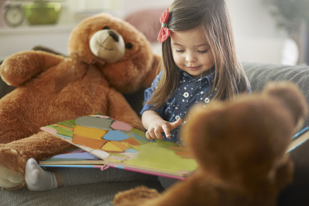 kid reading: Teddy Bears! this is storytelling about you!