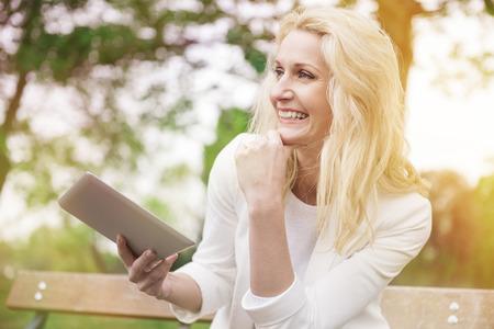 wifi internet: Disfrutar de Internet inal�mbrico, incluso en el parque