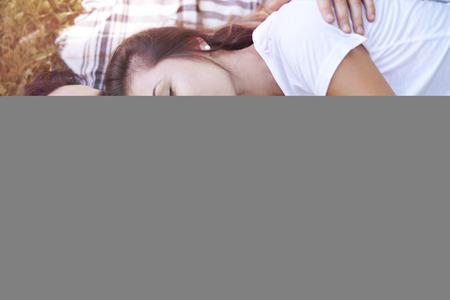 pareja durmiendo: Amor está en el aire