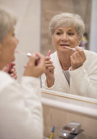 vistiendose: Las mujeres son hermosas en todas las edades