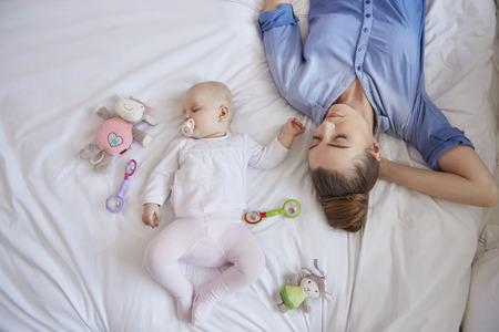 されているママは疲れて