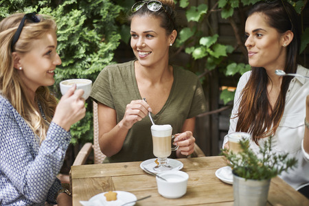 women friendship: Delicious coffee taste the best with the friends
