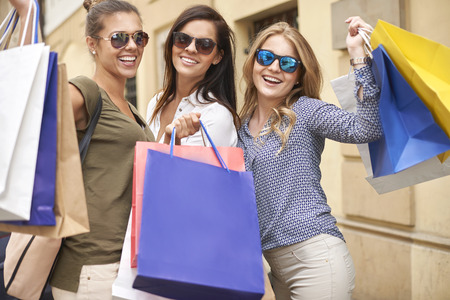 shopping buddies: Shopping only with my the best friends