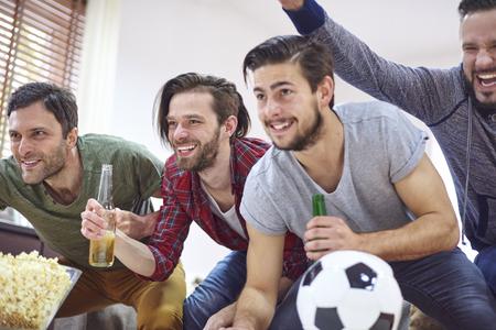 balones deportivos: Grandes emociones mientras ve el partido de f�tbol