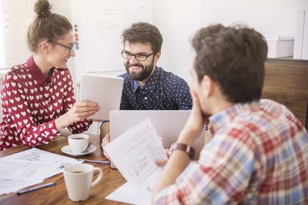 reunion de trabajo: Para lograr el éxito hay que trabajar duro