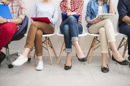 entrevista: La gente sentada en el crudo en el paso