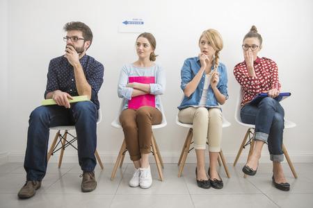 nerveux: Entretien d'embauche les fait se sentir peur