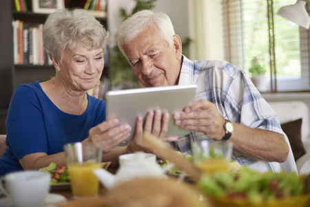 peo: Internet is not a secret for seniors at all