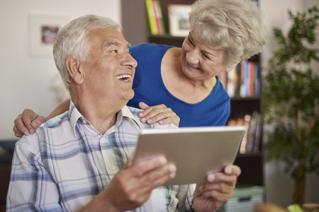 not a problem: Using a tablet is not a problem for grandparents