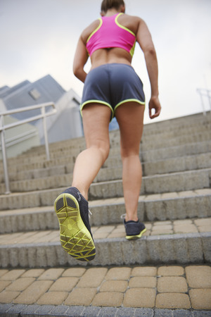 no correr: No es f�cil de ejecutar por las escaleras Foto de archivo