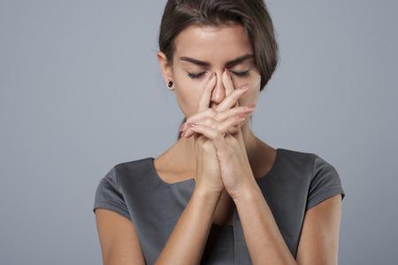 mujer trabajadora: Trabajo agotador en la corporaci�n necesita mucho sacrificio