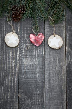 pin arbre: Christmas decoration hanging on the pine tree