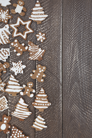 osos navide�os: Half full table of ginger bread cookies