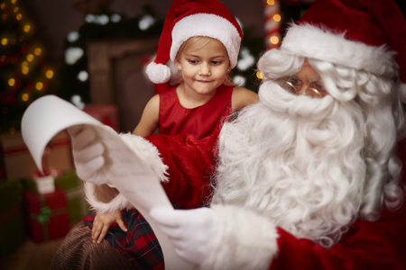 adornos navide�os: Mi querido, su lista de deseos parece muy largo Foto de archivo