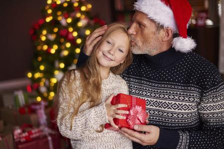 Hija es la niña de los ojos del padre Foto de archivo - 47401032