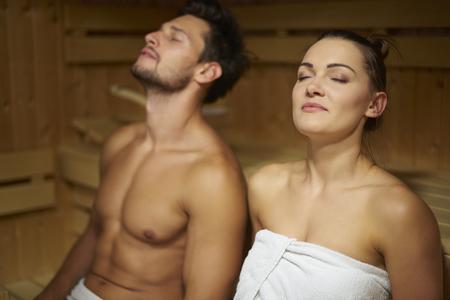 sauna nackt: Dies ist, was wir in unserer Freizeit zu tun