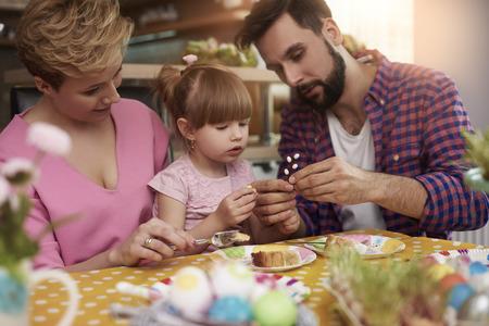 osterei: Die Ausgaben Ostern Zeit mit der Familie