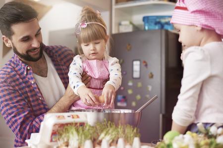 bebes niñas: galletas hechas a mano al horno con el papá