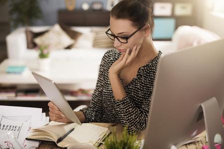 easier: Digital tablet makes her work easier