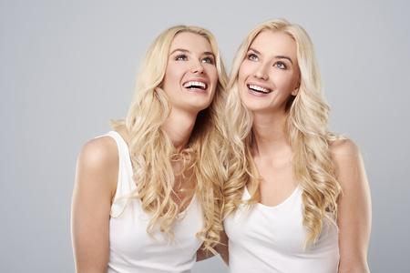 mooie vrouwen: Positieve houding is erg belangrijk Stockfoto