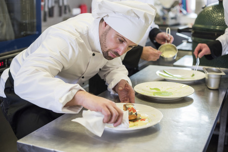chef kitchen: Plate must be cleaned before its served