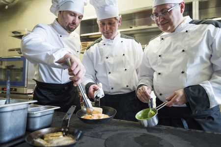 chef kitchen: Teamwork is a guarantee of good food