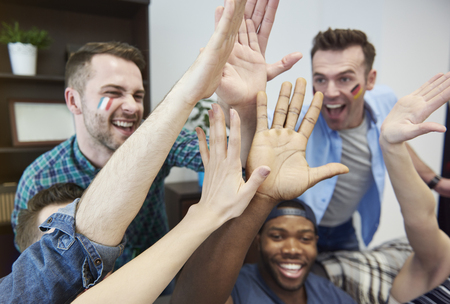 hands high: Happiness due to the victory