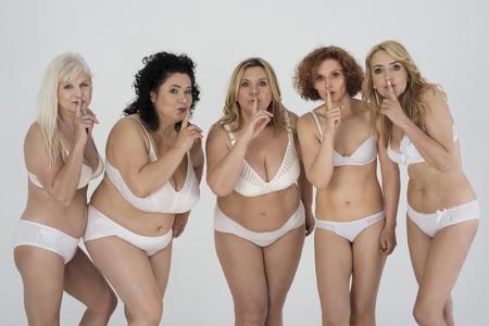 mujeres desnudas: Recuerde que este es nuestro secreto!
