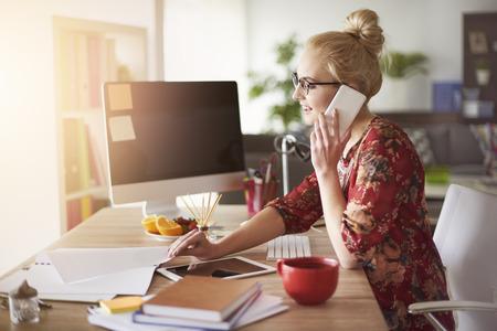 Drukke tijd voor freelance thuis kantoor Stockfoto