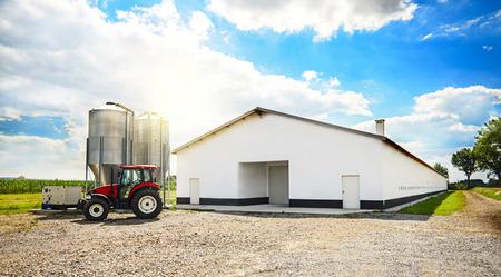 machinery: Barn building and modern machinery