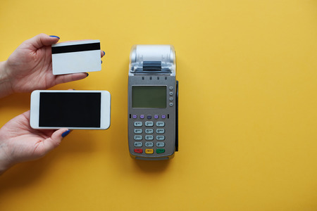 card making: Making choice between mobile phone and credit card
