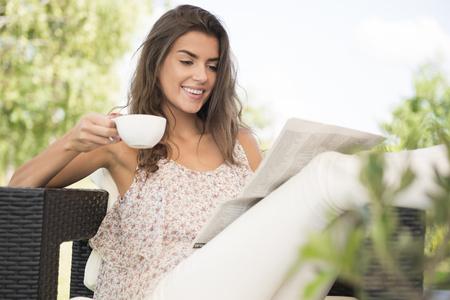 朝はコーヒーと新聞