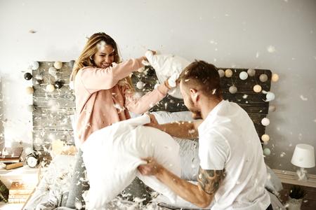 Para o zabawę podczas walki na poduszki