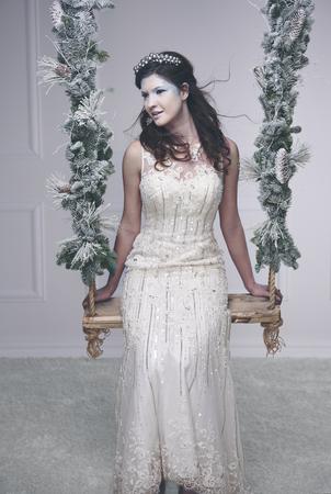 スイングに深刻な雪の女王や氷の女王 写真素材