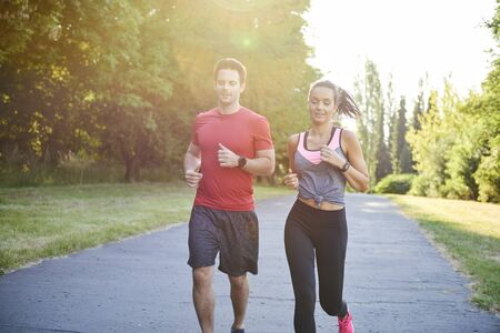 Discussion during the jogging with girlfriend 版權商用圖片