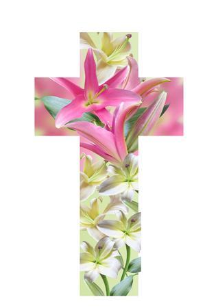 Cruz cristiana hecha de flores de lirio. Pascua Cross.Religious Cruz