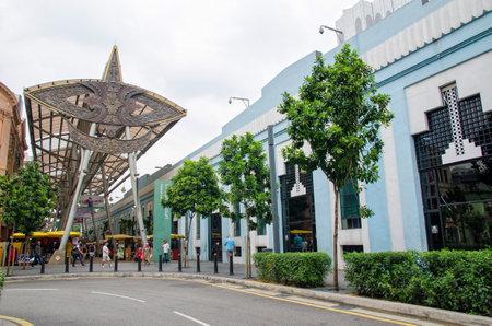central market: Kuala Lumpur, Malasia - 13 de julio 2015: La gente puede caminar y visto compras alrededor Kasturi Walk junto Mercado Central, Kuala Lumpur