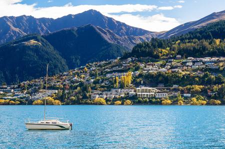 wakatipu: Lake Wakatipu in Queenstown, New Zealand.