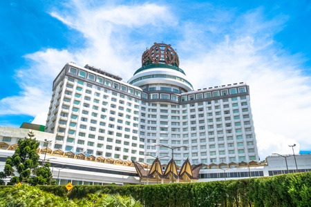 Genting Highlands, Malaysia - October 18,2017 : Resorts World Genting is a hill resort located in Bentong, Pahang, Malaysia. People can seen exploring around it. 新闻类图片